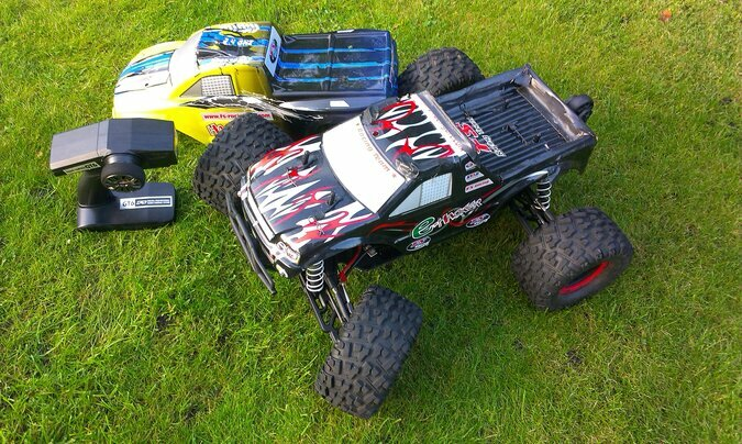 MEGA MONSTER TRUCK FS RACING HACKER / BRUSHLES MOTOR / 1:8 / 4WD / 80KM/H