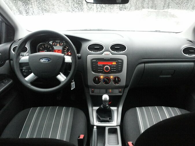 FORD FOCUS 1.596 74 kW -10