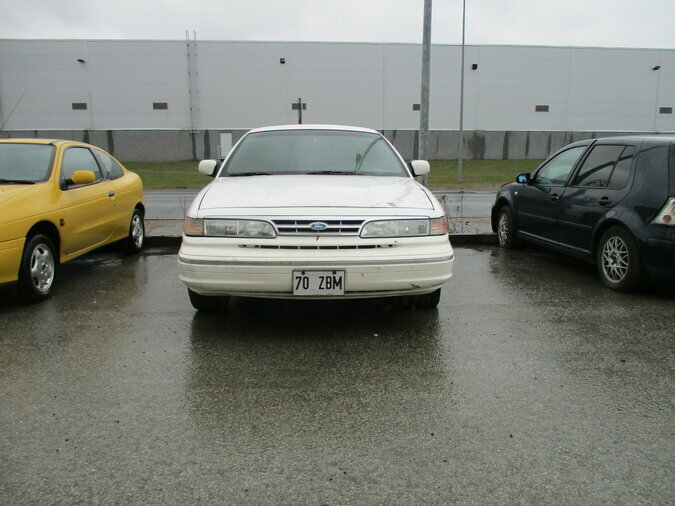 FORD CROWN VICTORIA 4.601 142 kW -95