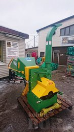 PUIDUHAKKUR FARMI WOOD CHIPPER WC 8, TRACTOR 3 POINT HICH MOUNTED WOOD CHIPPING MACHINE