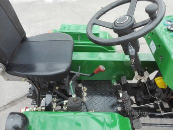 TRACTOR 150B, 240D
